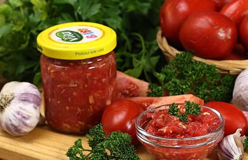 iz-pomidorov-i-chesnoka