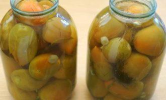 zelenye-marinovannye-pomidory-na-zimu-ochen-vkusnye-prostye-recepty